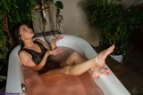 SS0562S: Cheryl's herbal bath barefoot