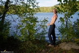 RE1467: Ariel Anderssen at the lake