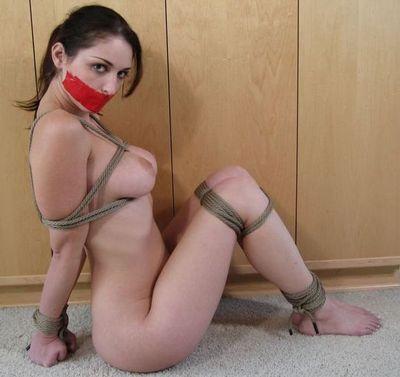 фото связанные девушки голые
