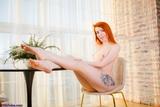 SS0742S: Nicole Barefoot Kinky Days